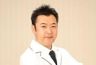 院長 歯科医師 田中 慎一